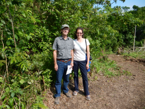 Crystal McMichael and Clark Erickson enjoy a fieldtrip to archaeological sites in the Llanos de Moxos, as part of the EIAA Conference. Photo: Suzette Flantua